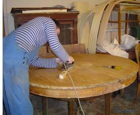 Реставрация столов путем подкраски